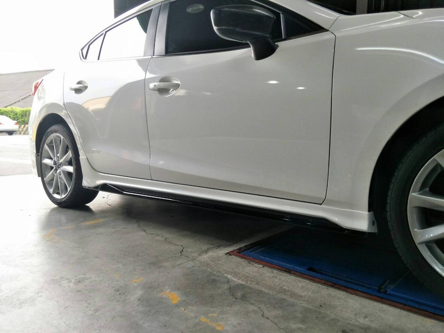 Dokładki progów Mazda 3 4/5D 14-17 MK Style - GRUBYGARAGE - Sklep Tuningowy